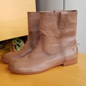 Brand new Frye taupe leather booties